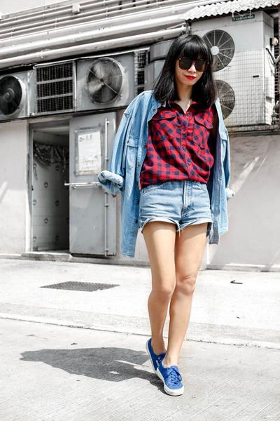ruby red Monki shirt - light blue Timberland shirt - blue Superga sneakers