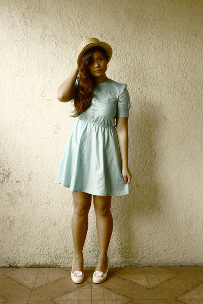 aquamarine vintage dress - bubble gum pvc Melissa pumps