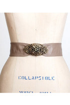 Light-brown-vintage-belt