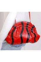 Red-vintage-bag
