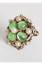 Lime-green-vintage-ring