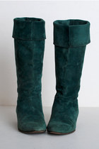 Green-vintage-boots
