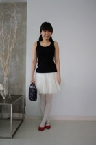 Uniqlo top - H&M Young skirt - River Island stockings - Zara shoes - Anna Sui ac