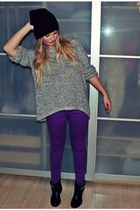 black Zign boots - deep purple just femme jeans - crimson GINA TRICOT hat