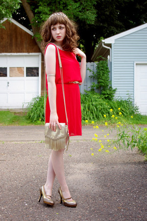 red drop waist unknown dress - gold fringe r&em bag - gold unknown belt