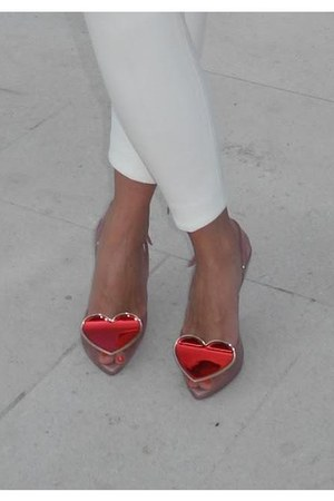 unknown brand heels