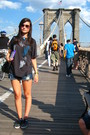 Black-gap-t-shirt-blue-roxy-shorts-black-victoria-shoes-black-zara-accesso