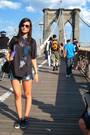 Black-gap-t-shirt-blue-roxy-shorts-black-victoria-shoes-black-zara-accesso