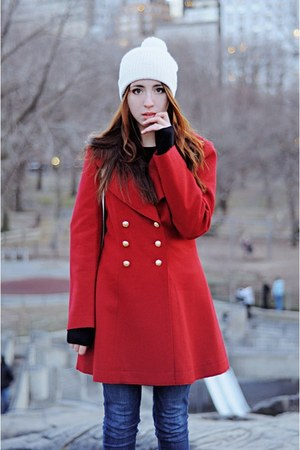ruby red Juicy Couture coat - off white Cole Haan hat