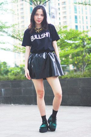TUK shoes - KZL shirt - Label Cut accessories