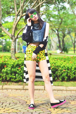 black Spotlight Store cardigan - yellow H&M shorts - green rayban sunglasses