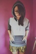 gray H&M hoodie