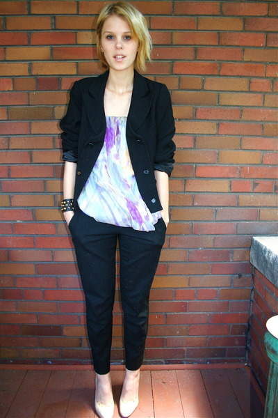 forever 21 blazer - Fumblin Foe top - robert rodriguez pants - BCBGgirls shoes -