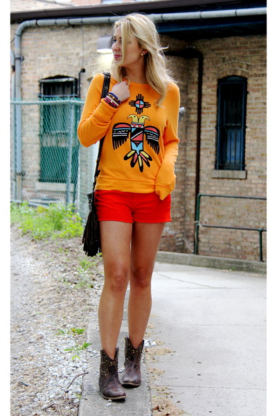 Red-cut-offs-rag-bone-shorts-orange-tribal-print-wildfox-sweatshirt_400