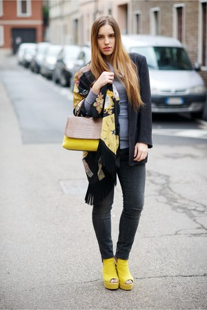 yellow Castaer bag - dark gray LeRock jeans - black Moschino jacket