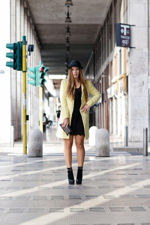 black Motivi dress - yellow Zara coat - black armani hat