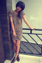 black shoes - brown leopard print dress - gold bracelet