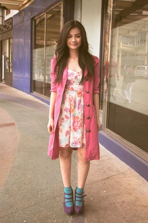 hot pink Hong Kong coat