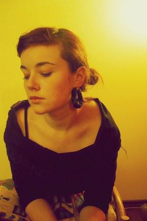 dark green Stradivarius earrings - forest green Zara blouse