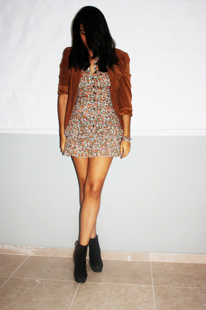 brown second hand jacket - orange Forever 21 dress - black Mango boots