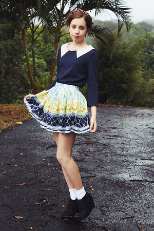 white printed Faith & Lola skirt - black wedge Target boots