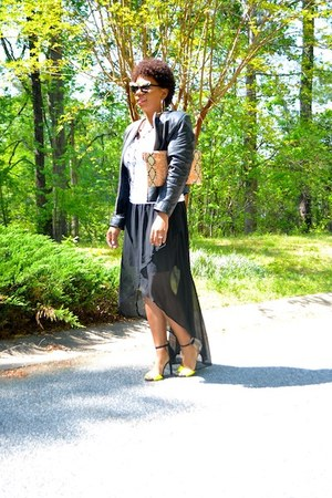 black high low xhiliration skirt - white t shirt Mossimo shirt