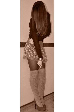 olive green New Yorker leggings - dark khaki wool Gap socks - lace flowers Bersh