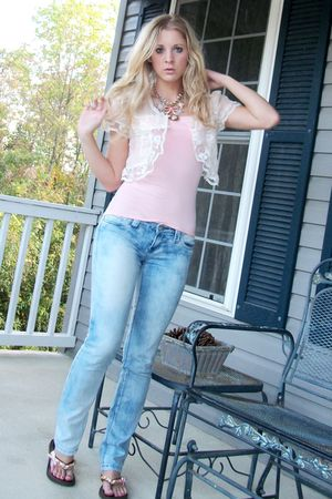 bleached jeans - my favorite Betsey Johnson necklace