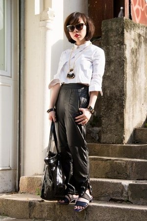 black leather BLANKNYC pants - white cropped Zara shirt