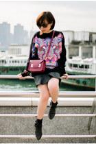 black printed Monki sweater - maroon leather Sophie Hulme bag