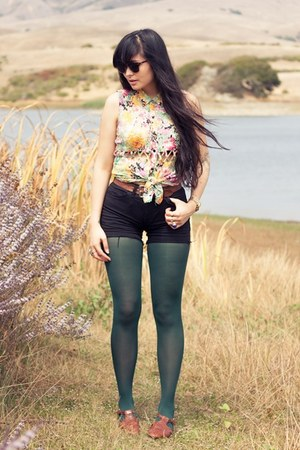 diy American Apparel shorts - cutout Urban Outfitters blouse