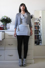 Charcoal-gray-tweed-cropped-rw-co-jacket-black-liquid-suzy-shier-leggings