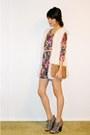 Floral-sweater-white-furry-vest-nude-skinny-belt-beige-studded-bag-neutr