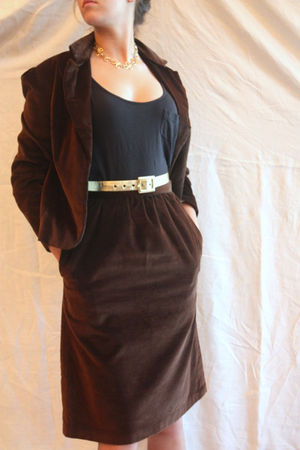 brown vintage from etsy blazer - brown vintage from etsy skirt - gold vintage fr