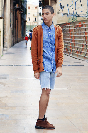 blue pull&bear shirt - dark brown Hugo Boss boots - light blue Zara shorts
