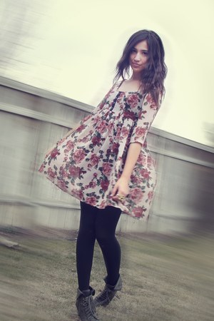 Forever21 boots - floral dress
