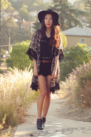 dark gray kimono jacket Forever 21 jacket - black vintage boots