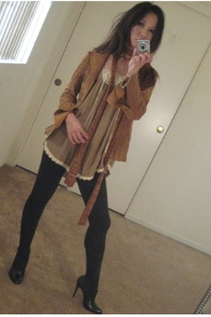 top - jacket - leggings - shoes - scarf