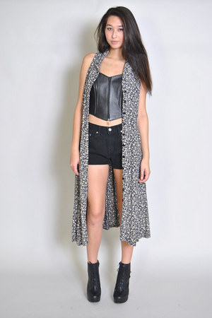 black Levi shorts - heather gray Vintage Duster jacket - black bra