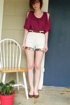 magenta xhilaration top - cream ruffles floral unkown shorts