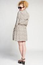 Line & Dot Coats