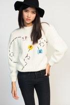 Alejandra-quesada-sweater