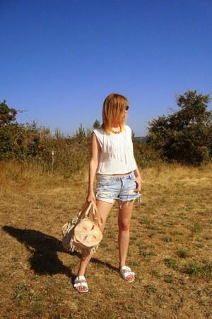 Zara sandals - Antik Batik bag - Stradivarius shorts - Zara blouse
