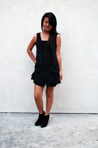 black Bebe dress - black boots