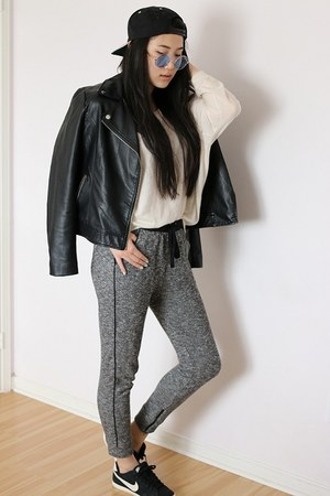 black trainers nike shoes - black moto leather Forever 21 jacket
