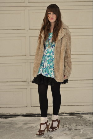 camel vintage fur jacket - brown H&amp;M shoes - sky blue Beacons Closet dress