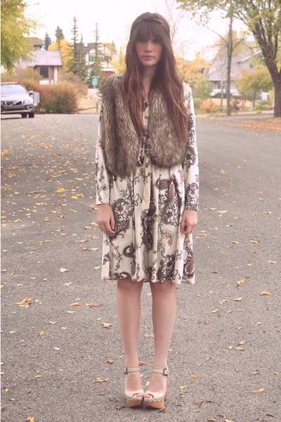 light brown blue notes vest - off white velvet dress vintage dress