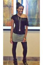 black Charlotte Russe shirt - black kohls shoes - black Walmart leggings - green