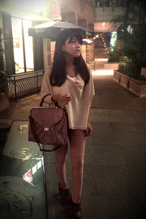 pink bag - brown clogs