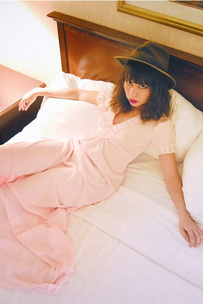 light pink empire maxi vintage dress - dark brown vintage hat